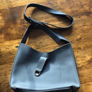 Handbags - Vegan leather bag -like new ☑️